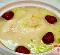 ひな鳥と朝鮮人参のスープ